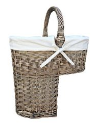 Antique Wash Stair Basket with White Lining
